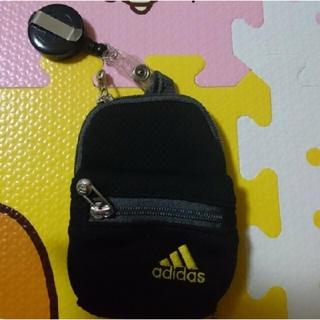 アディダス(adidas)のアディダス ミニポーチ 小銭入れ 小物入れ(ポーチ)
