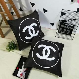 シャネル(CHANEL)のCHANEL 50X50CM 正方形 背当て チェア ソファ 枕 (2つ) (枕)