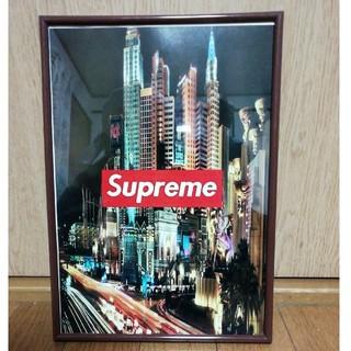 Supreme - SupremeのA4ポスタースタンド