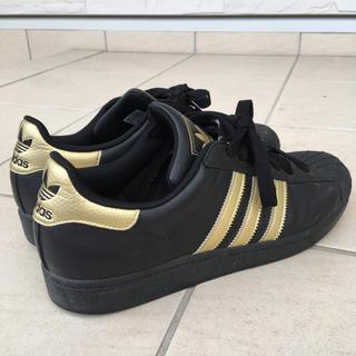 アディダス(adidas)のadidas スーパースター スニーカー ブラック&ゴールド(スニーカー)