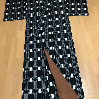 ミツコシ(三越)の三越 幾可学模様 十日町紬の着物(着物)