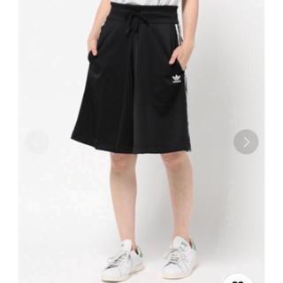 アディダス(adidas)のアディダス キュロットスカート(ひざ丈スカート)