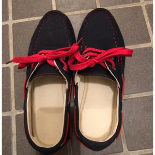 ジーユー(GU)のスニーカー 25 赤 紺 ネイビー 紐 GU(スニーカー)