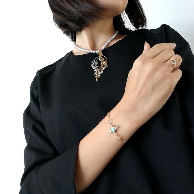 ラリマーの天使ワイヤーブレスレット レディースのアクセサリー(ブレスレット/バングル)の商品写真
