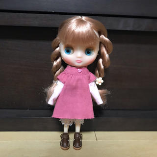 ミディ  ピンクのワンピ(人形)
