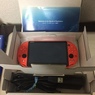 プレイステーションヴィータ(PlayStation Vita)のPSVita 8GBメモリーカード付属(携帯用ゲーム本体)