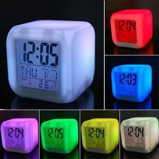 置時計・7色変色機能付きLED時計・温度計(置時計)