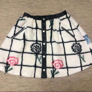 スレトシス(Sretsis)のスレトシス モデル愛用 スカート(ひざ丈スカート)