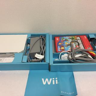 ウィー(Wii)のWii本体  マリオブラザーズとWii sportsソフトセット(家庭用ゲームソフト)