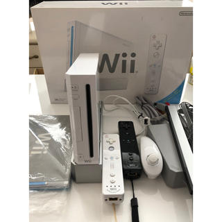ウィー(Wii)のWii 本体 一式(家庭用ゲーム本体)