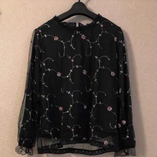 しまむら - 花柄刺繍トップス