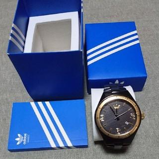 アディダス(adidas)の稼働中 アディダス ケンブリッジ ゴールド×ブラック ビッグフェイス腕時計(腕時計(アナログ))
