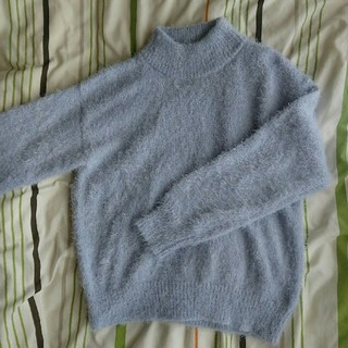ジーユー(GU)の新品未使用 フェザーヤーンセーター(ニット/セーター)