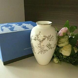 ウェッジウッド(WEDGWOOD)の新品*VeraWangコラボ花瓶(花瓶)