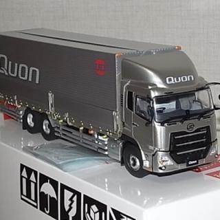 UDトラックス 新型クオン モデルカー
