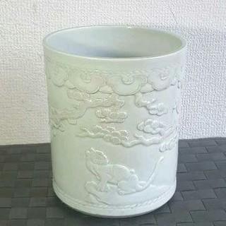 中国 白磁 猫虎紋 筆筒 陰刻(陶芸)