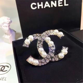 CHANEL - chanel シャネル ブローチ