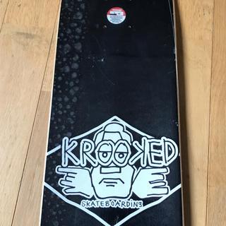 クルキッド(KROOKED)のスケートボードデッキ(スケートボード)