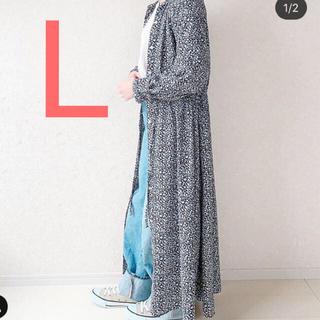 ジーユー(GU)の新品 GU フラワープリントワンピース  ブルー L(ロングワンピース/マキシワンピース)