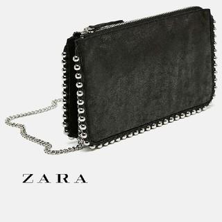 ザラ(ZARA)のZARA スタッズ付きブラッククロスボディバッグ(ショルダーバッグ)