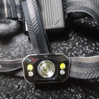 ブラックダイヤモンド(Black Diamond)のBlackDiamond ICON  IPX7防水 ヘッドライト緊急用LED付き(ライト/ランタン)