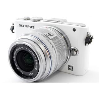 オリンパス(OLYMPUS)の☆スタイリッシュデザイン♪WiFiカード☆オリンパス E-PL3 ホワイト(ミラーレス一眼)