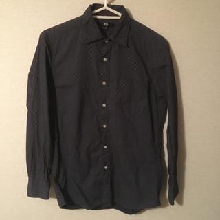 ユニクロ(UNIQLO)のシャツ ネイビー ドット(シャツ)