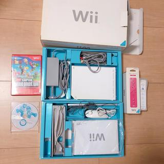 ウィー(Wii)のWii本体 一式 ソフト付き(家庭用ゲーム本体)