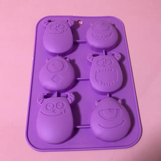 Disney - 新品☆モンスターズインク*シリコンプチケーキ型