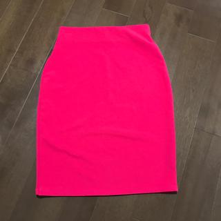アフリカタロウ(AFRICATARO)の美品♡綺麗ピンクのタイトスカート(ひざ丈スカート)