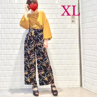 ジーユー(GU)の【美品】ベロア花柄ワイドパンツ XL(カジュアルパンツ)