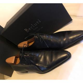 ベルルッティ(Berluti)のベルルッティ ピアッシング 革靴 サイズ8(ドレス/ビジネス)