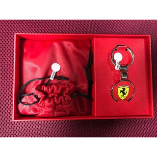 フェラーリ(Ferrari)のフェラーリ公式商品(レザー製クレジットカードケース、金属製キーホルダー)(名刺入れ/定期入れ)