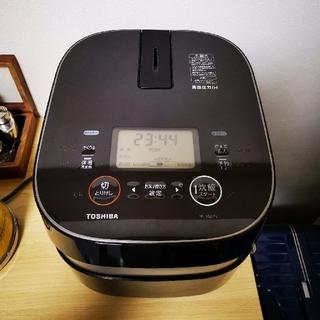 トウシバ(東芝)の「備長炭かまど本羽釜」TOSHIBA  IH圧力炊飯器 RC-10ZPH 超美品(炊飯器)
