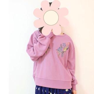ダブルネーム(DOUBLE NAME)の最終セール♡新品★ダブルネーム★トレーナー★刺繍(トレーナー/スウェット)