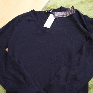 イネド(INED)のINED イネド 新品 未使用 Vネックセーター ブラック定価11800円 半額(ニット/セーター)