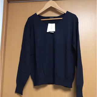 インディヴィ(INDIVI)の新品タグ付 インディヴィ 手洗い可 定番 春 長袖ニット 38 ネイビー(ニット/セーター)