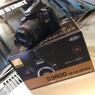 ニコン(Nikon)のニコン D3400 18-55VR レンズキット ブラック D3400LKBK(デジタル一眼)