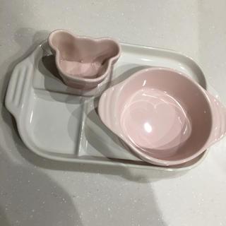 ルクルーゼ(LE CREUSET)の値下げ!ル・クルーゼ ベビー 食器セット ピンク(離乳食器セット)