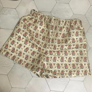 ミュウミュウ(miumiu)の miumiu ♡ジャガードフラワー柄パンツ(ショートパンツ)