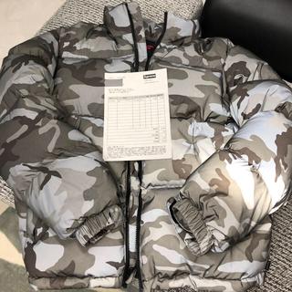 シュプリーム(Supreme)のSupreme  reflective camo down  Jacket(ダウンジャケット)