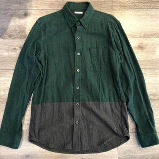 ジーユー(GU)の【美品】ジーユー GU シャツ グリーン ブラック メンズ(シャツ)