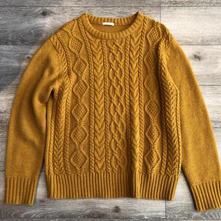 ジーユー(GU)の【美品】GU ジーユー ニット セーター からし色 アランケーブルクルーネック(ニット/セーター)