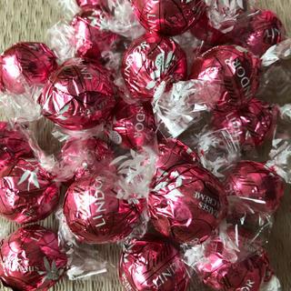 Lindt - リンツ リンドール ストロベリー 30個 いちご チョコ チョコレート コストコ