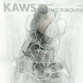 MEDICOM TOY - KAWS PASSING THROUGH BROWN