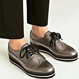 ザラ(ZARA)のZARA プラットフォームブルーチャー シルバー(ローファー/革靴)