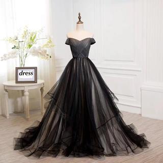 ブラックのウェディングドレスドレス