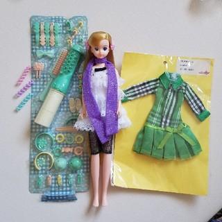 タカラトミー(Takara Tomy)のティモテドール&27センチメートルサイズドレス&ヘアアクセサリー3点セット(その他)