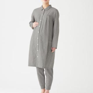 MUJI (無印良品) - 脇に縫い目のない 二重ガーゼ 授乳に便利な 長袖パジャマ・マタニティM~L