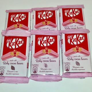 ネスレ(Nestle)の海外キットカット☆ルビーチョコレート(菓子/デザート)